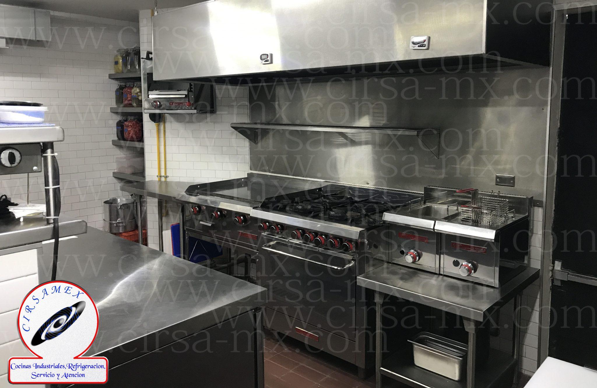 Cocinas industriales todo el mobiliario que buscas para for Cocinas pequenas industriales
