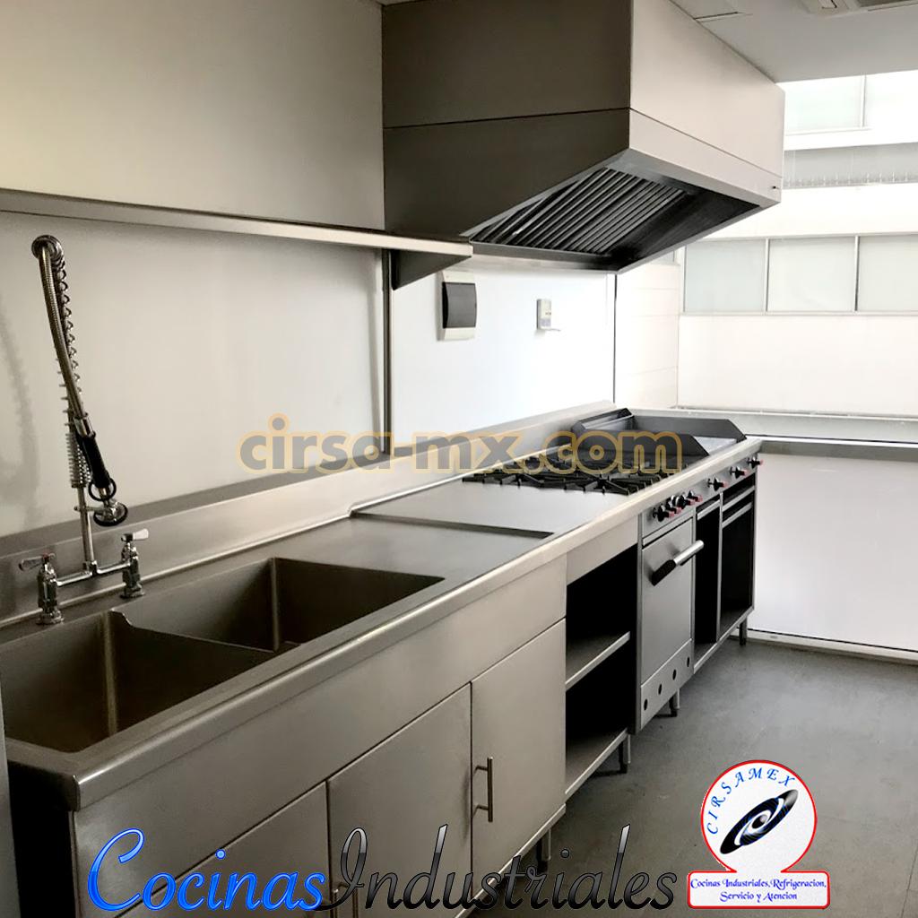 Fabricacion de mobiliario en acero inoxidable para cocinas industriales